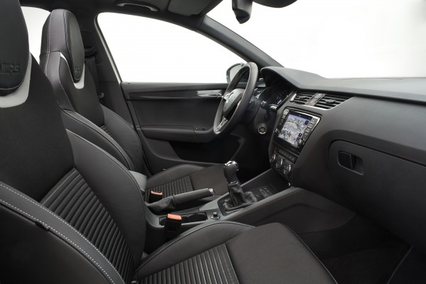 2013 SKODA Octavia RS - Interior 001