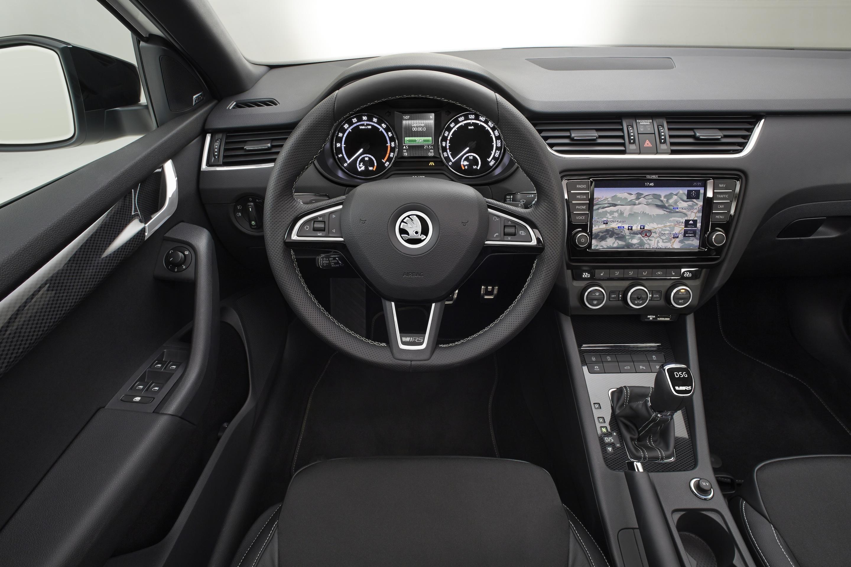 Octavia RS – Eine Woche vor der Premiere zeigt Skoda offiziell das Interieur