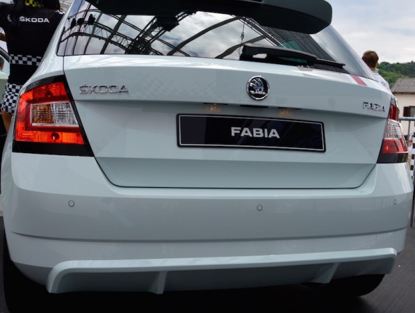 Fabia Red Grey hinten